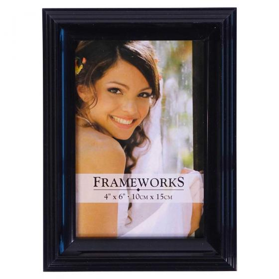 4''x6'' Plastic Photo Frame (Assorted Styles and Colours)